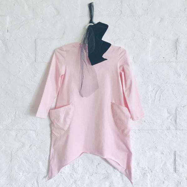 d4f39955b8bc Krásne asymetrické šaty v ružovej farbe